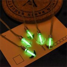 Leuchtender Glas-Anker Halskette