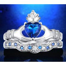 Ozeanblauer Prinzessinen Herz-Kronen Doppel-Ring
